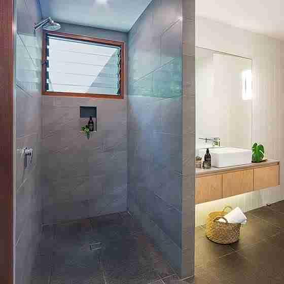 beachfront accommodation byron bay Byron Beach Retreats Private Bungalow Designer Bathroom